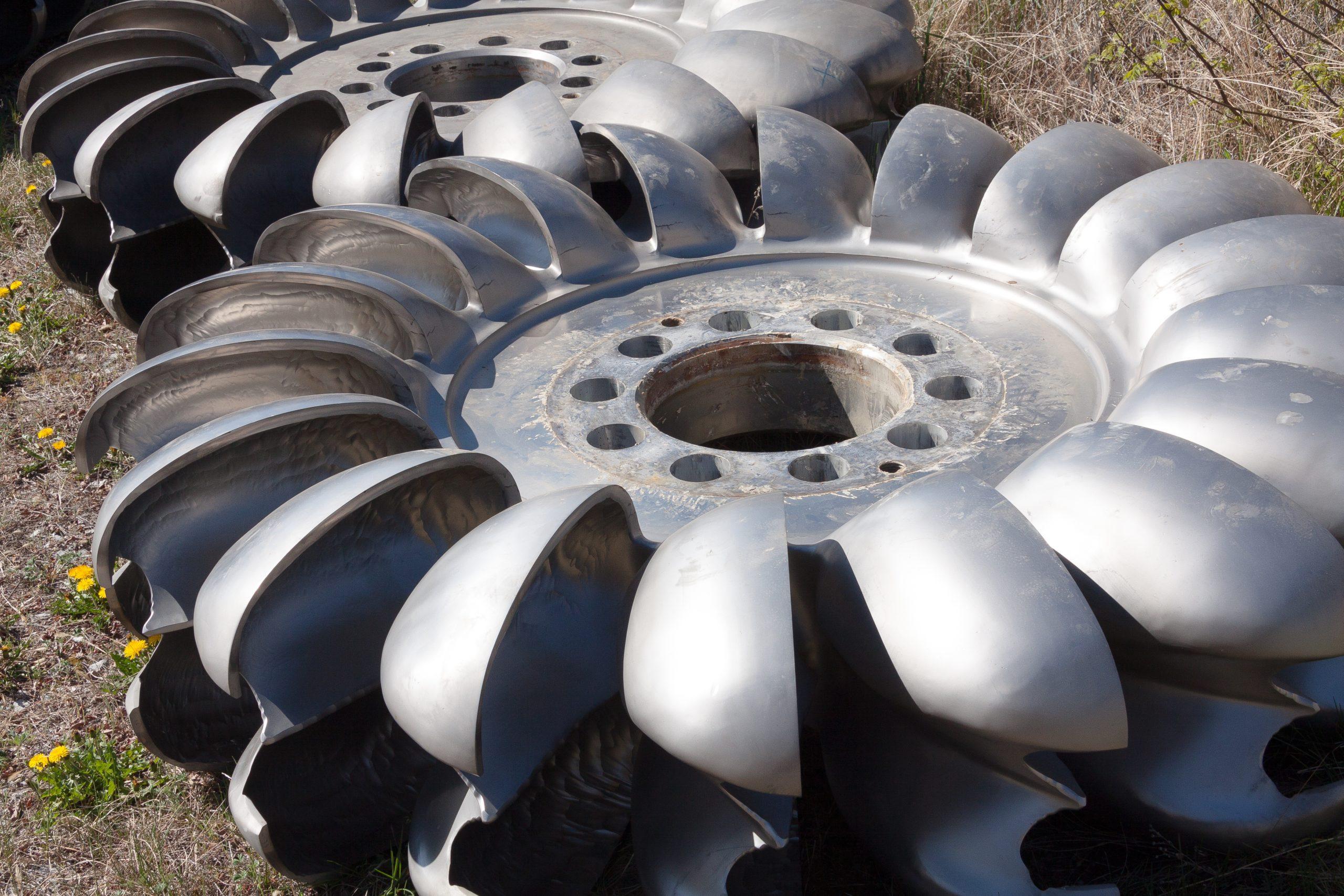 Pelton Wheel turbine - Impulse turbine