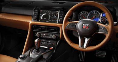 Paddle shifter vs manual transmission in car